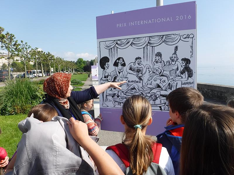 Visite de l'exposition par les élèves de l'école internationale de Genève