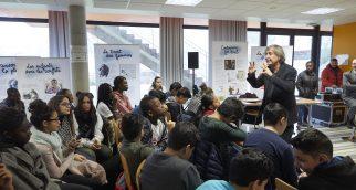 Jean Plantu au college Collège Raymond Poincaré à la Courneuve pour Cartooning for peace avec stephane troussel le 24 janvier 2017