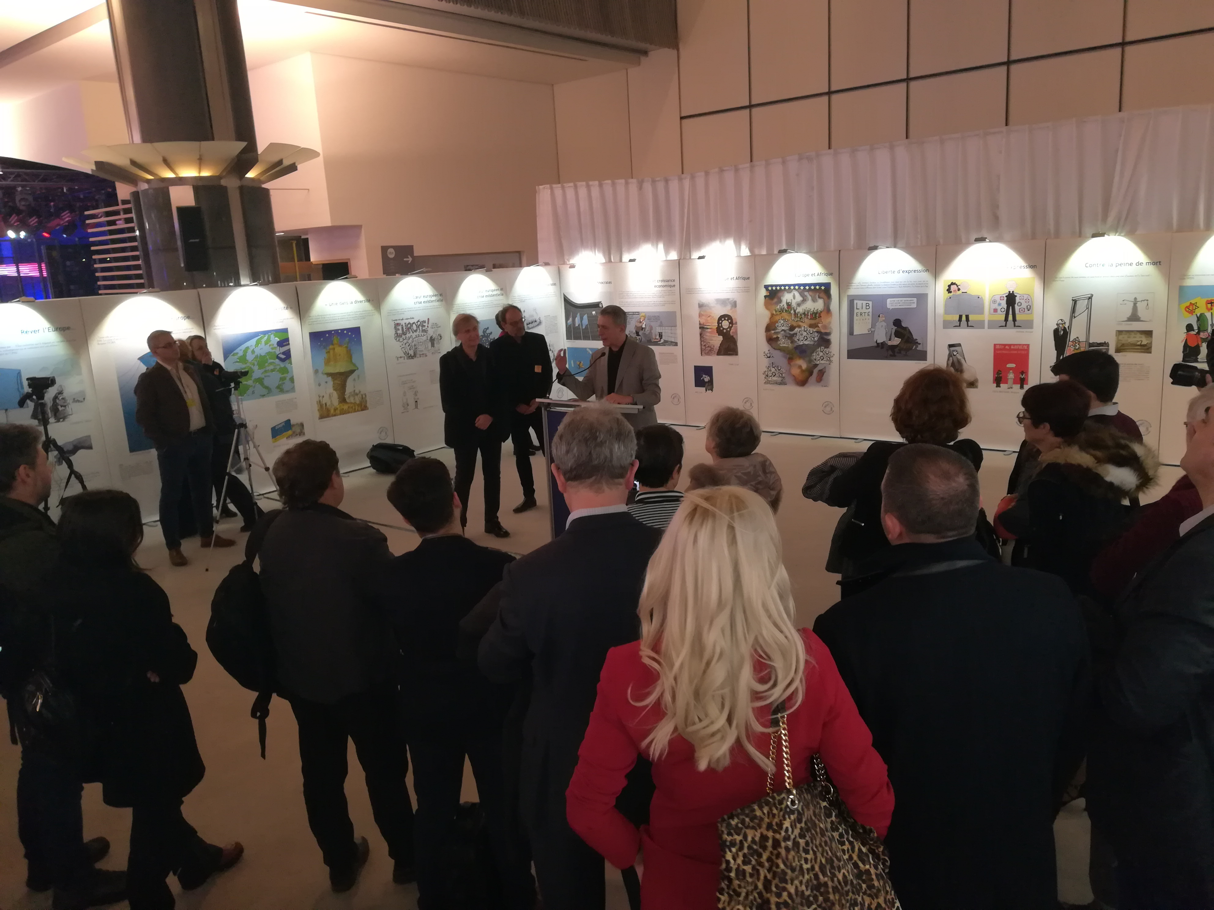 Opening of the exhibition « Decoding the stars »