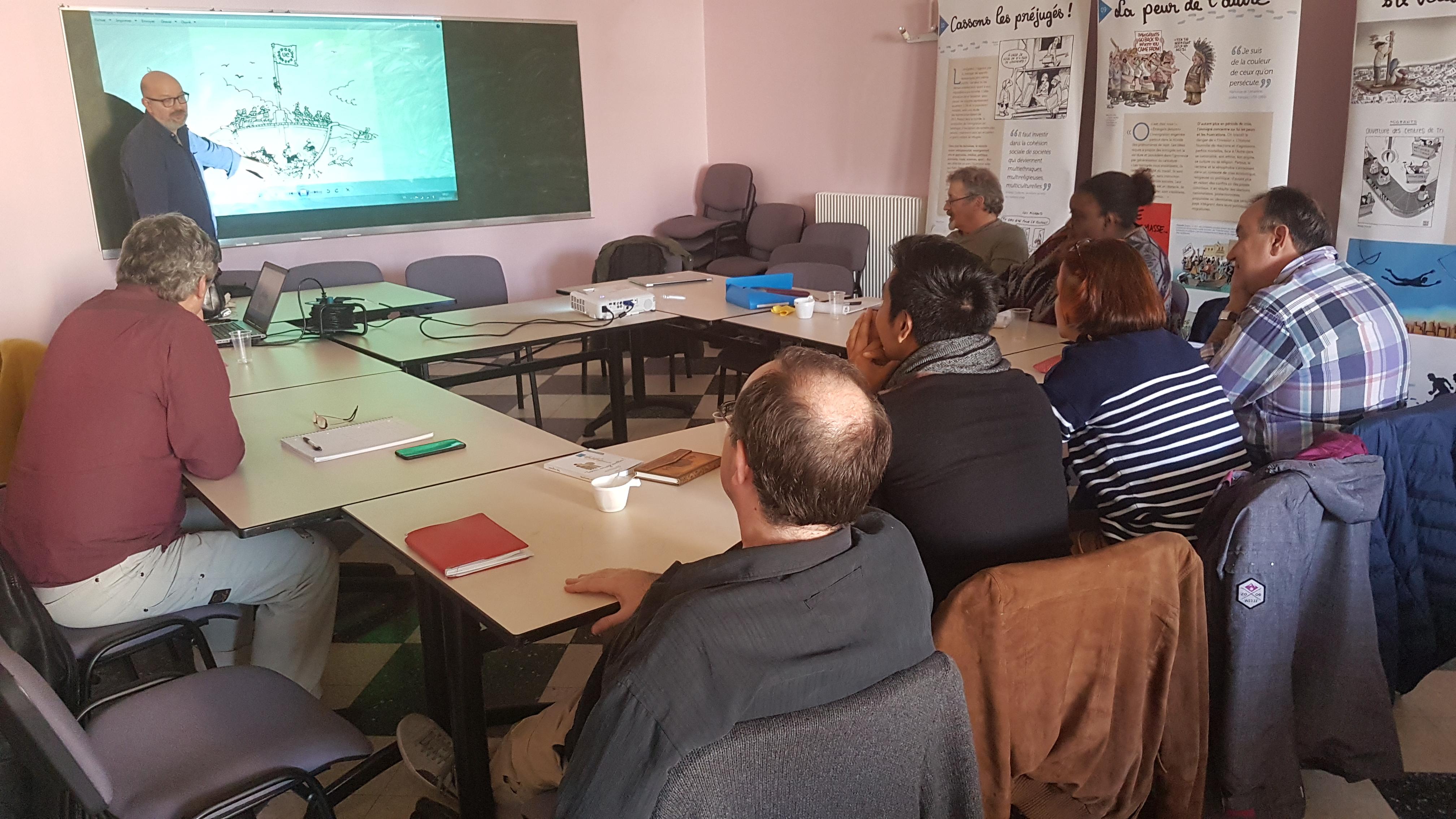 Formation des animateurs en Essonne avec le dessinateur Xavier Gorce