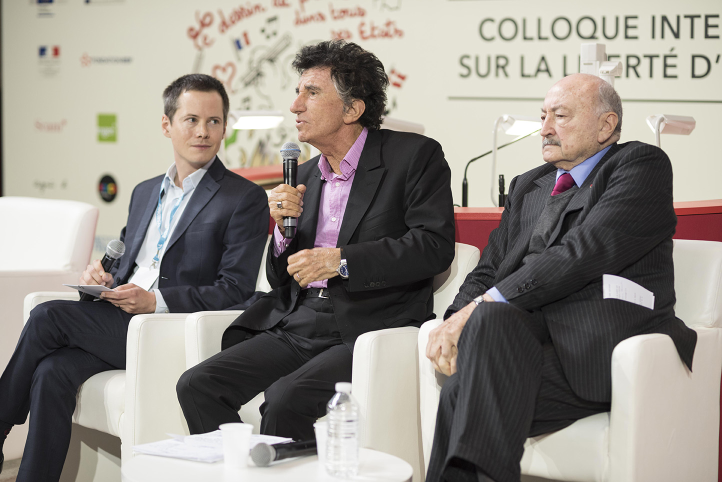 Jean Leymarie (France Info), Jack Lang (Président de l'IMA) et Georges Kiejman (avocat) – © Olivier Rolfe