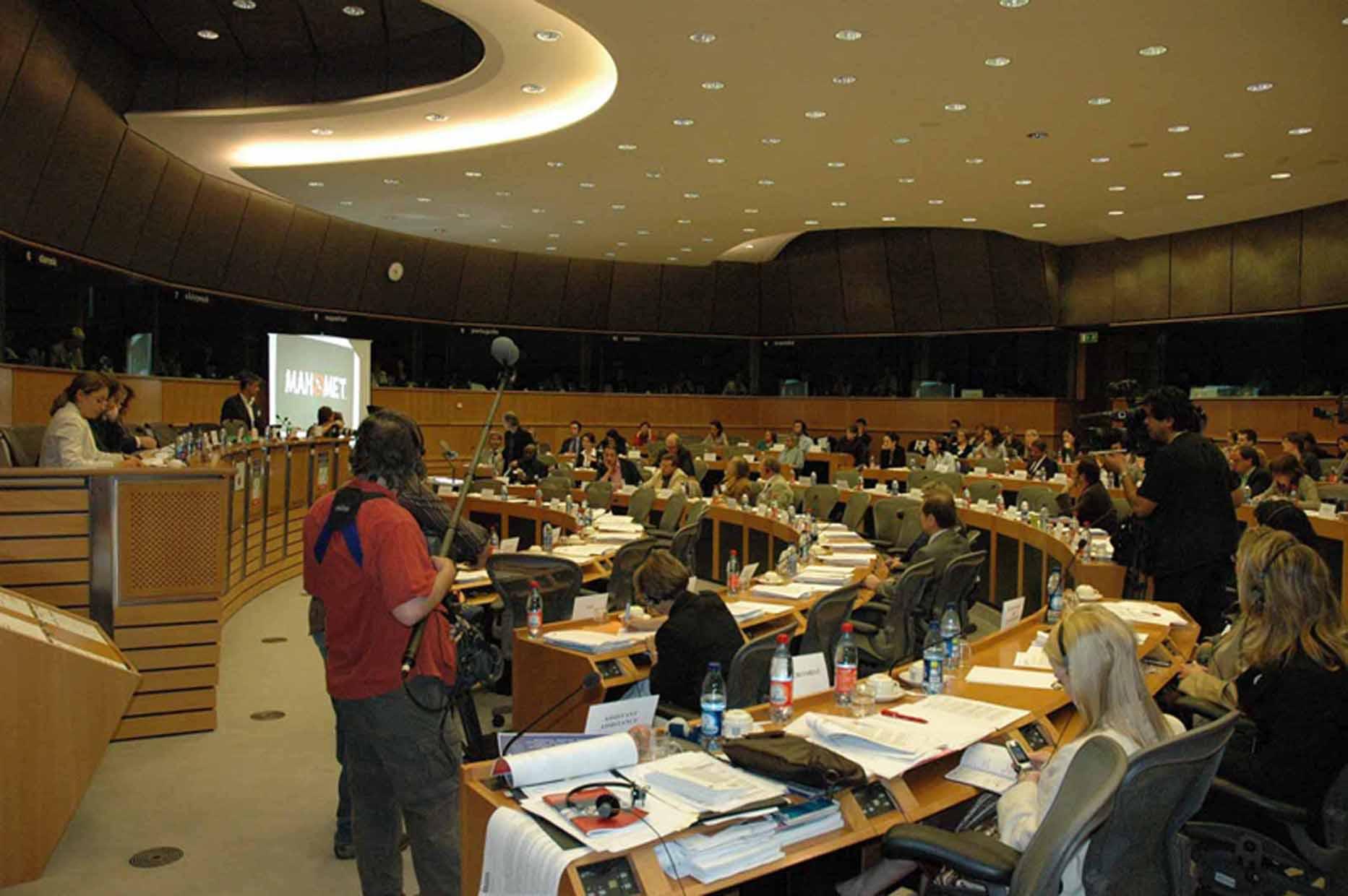 cartoon-parlement-euro-2007-02