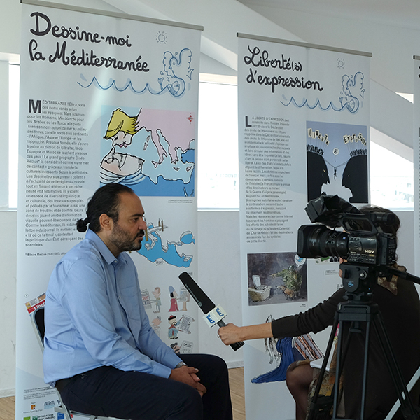 France 3's journalist interviewing Nidhal Ghariani