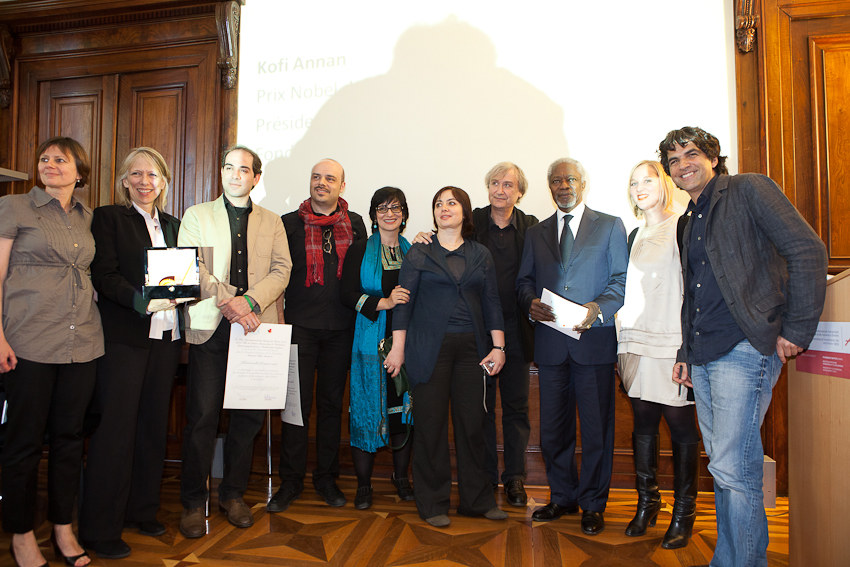 Awarded cartoonists, CFP Foundation and association's board and team