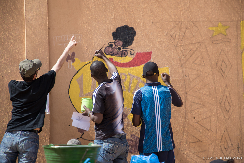 Création d'une fresque collective à la MACO © Olympia de Maismont