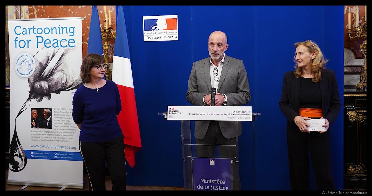 Cécile Coudriou, présidente d'Amnesty International France, Kak et Nicole Belloubet © Jérôme Tripier-Mondancin